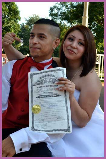 4vows.com Happy Wedding Couple